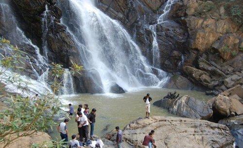 Ponmudi Hill Attraction