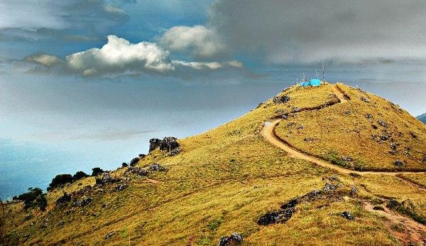 Hilly road in Ponmudi